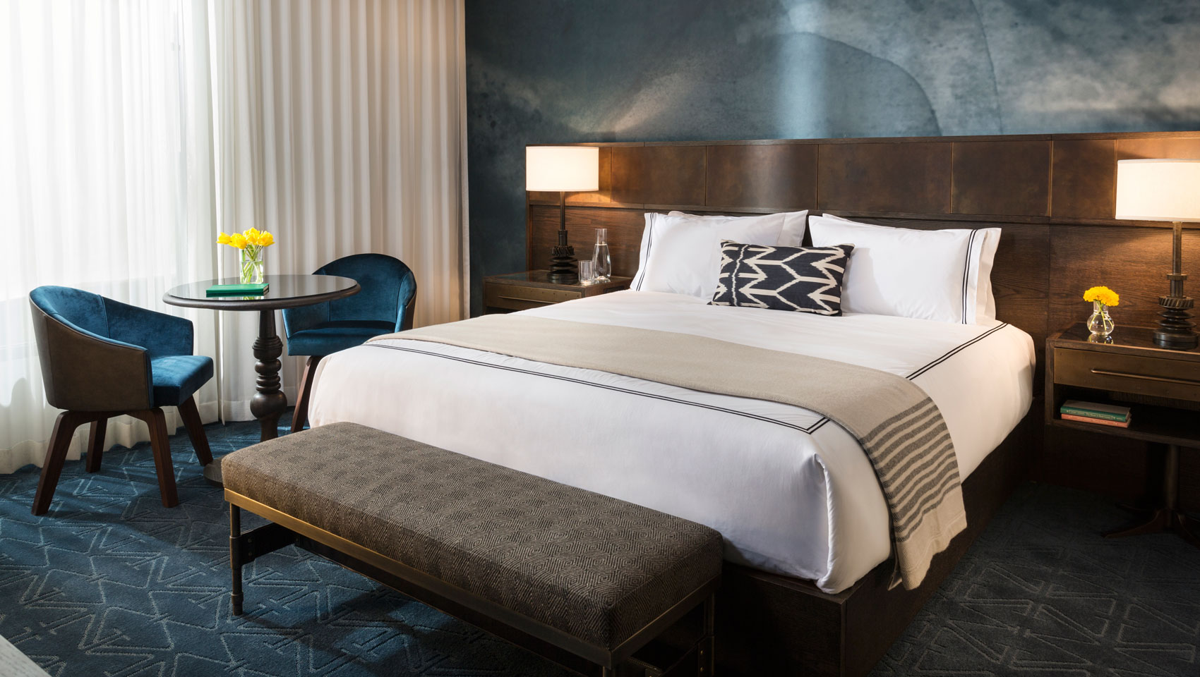 Boutique hotels in austin kimpton hotel van zandt for Boutique hotel 6 rooms